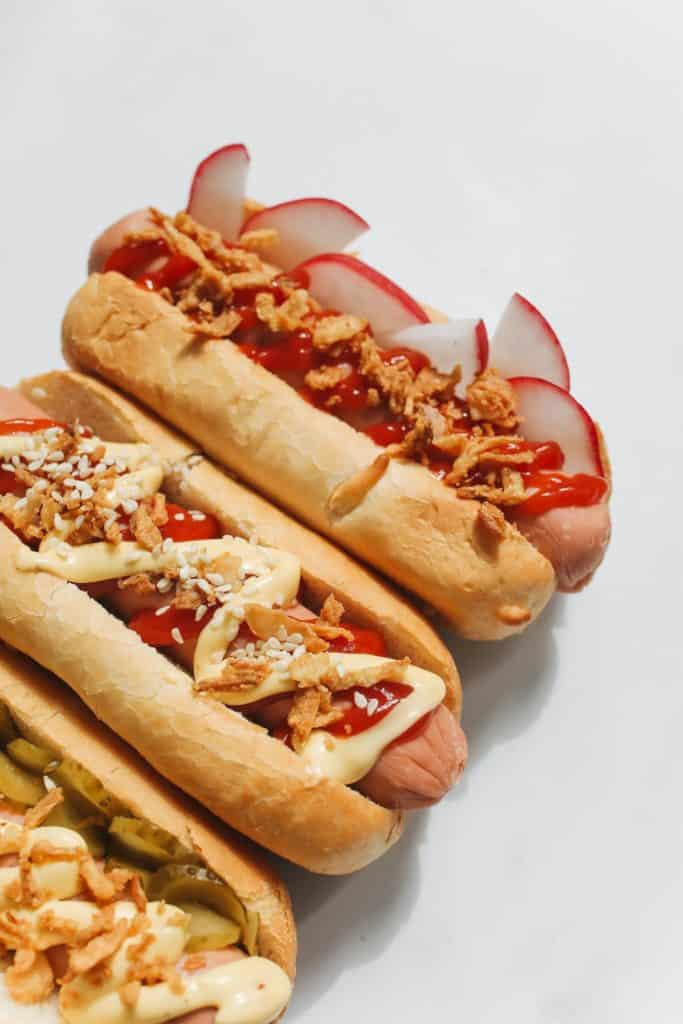 Photo of hot dogs; can pregnant women eat them?