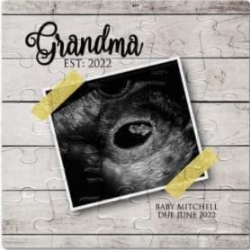 Photo of pregnancy announcement puzzles for grandparents